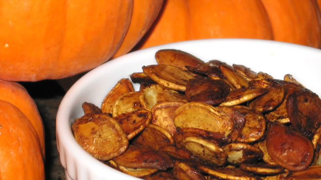 spiced pumpkin seeds - Halloween Savory Recipes