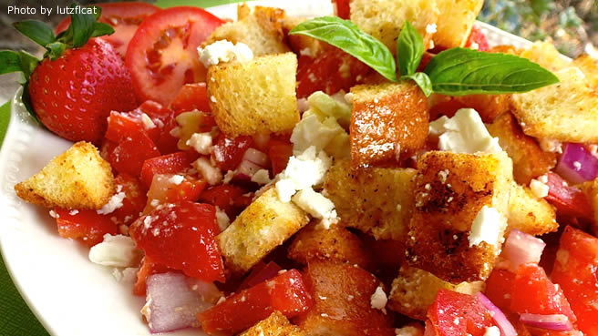 Italian Bread Salad with Strawberries and Tomatoes