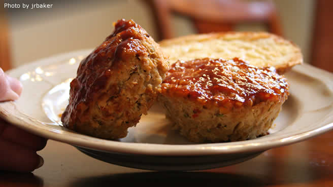 Turkey and Veggie Meatloaf Cups