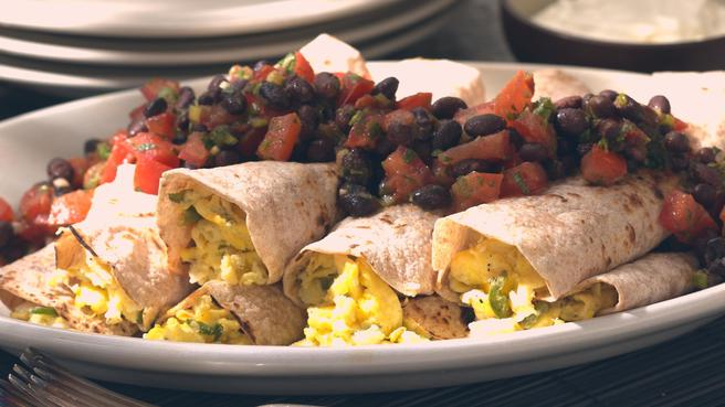 How to Make Scrambled Egg Burritos