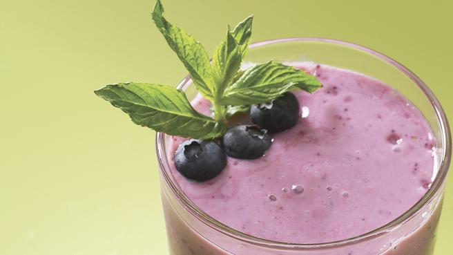 Download a FREE Smoothie Recipe Cookbook
