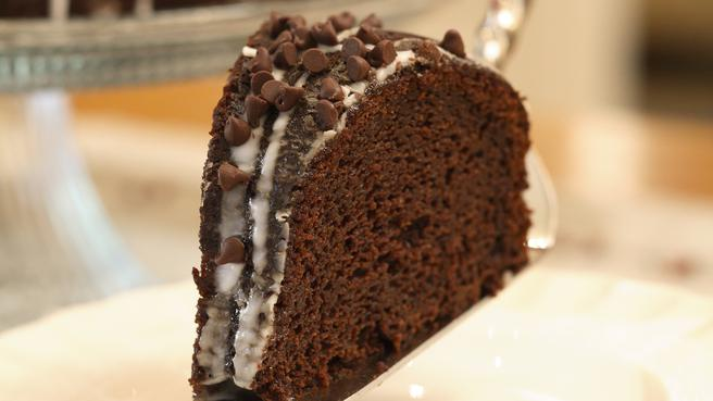 Make Glazed Chocolate-Pumpkin Bundt Cake