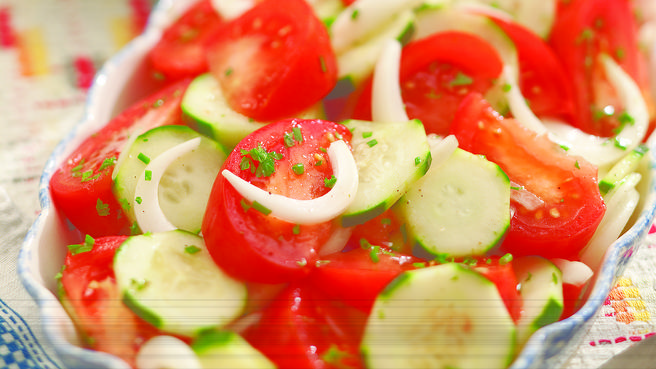 Summer Tomato & Cucumber Salad