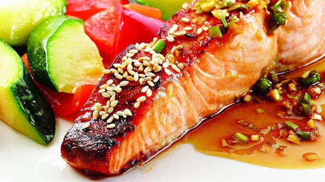 High protein dinner recipes eatingwell honey soy broiled salmon forumfinder Gallery