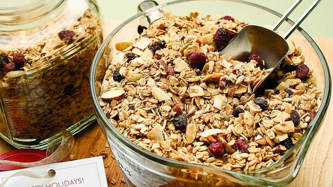 Gluten-Free Breakfast: Healthy Granola