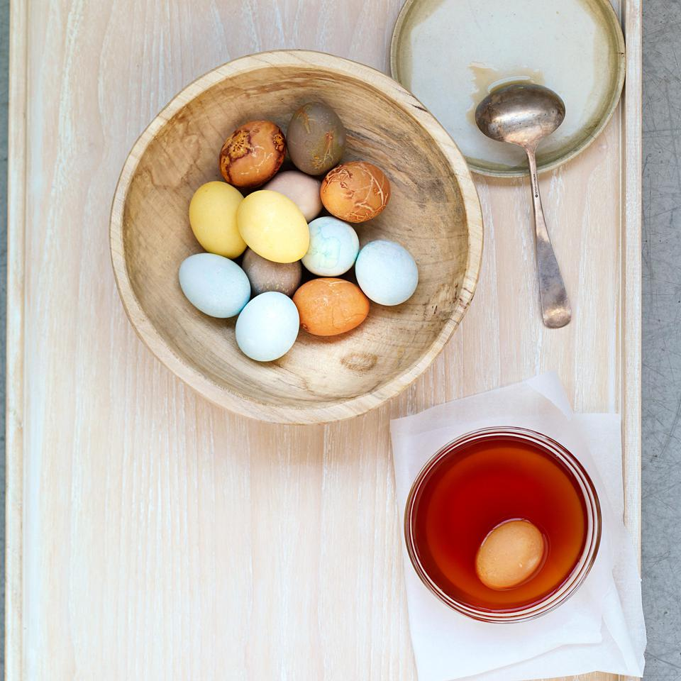 Healthy Natural Easter Egg & Egg Dye