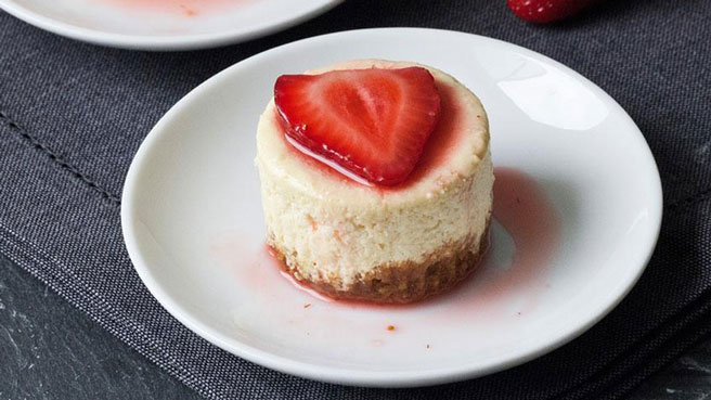 How to Make Mini New York Cheesecakes