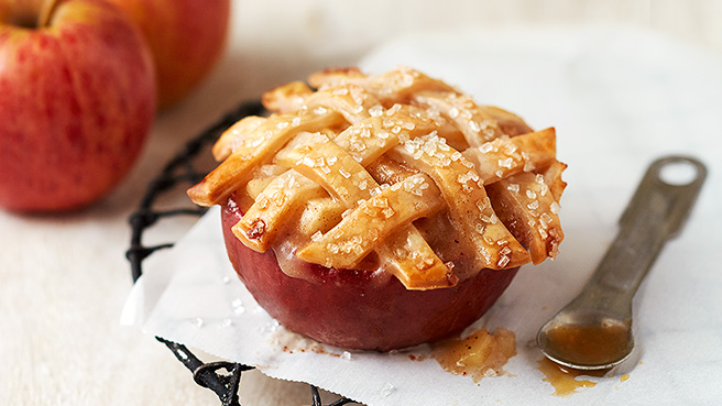 How to make apple pies in an apple