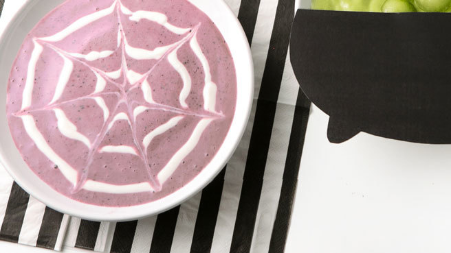 Spiderweb Smoothie Bowl