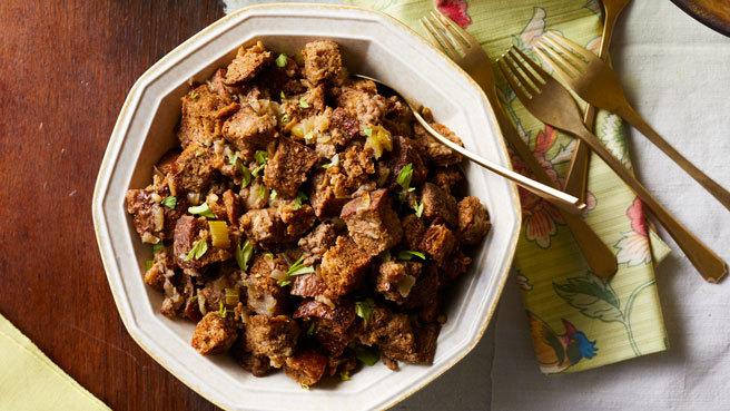 Slow-Cooker Sausage & Apple Stuffing