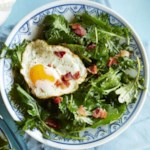 Baby Kale Breakfast Salad with Bacon & Egg