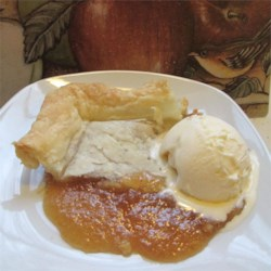 Mock Apple Pie IV Recipe - A pie made with butterry round crackers. No apples are used, but it tastes as if they are!