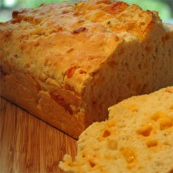 Cheese Biscuit Loaf Recipe - Now you can duplicate the Cheddar biscuits made famous by that well-known seafood restaurant chain, in loaf form.