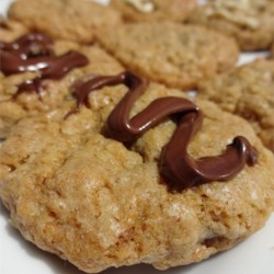 Maggie's Oatmeal Chocolate Chip Cookieshttp://allrecipes.com/personalrecipe/63618301/maggies-oatmeal