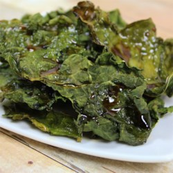Maple Kale Crisps Recipe - Slightly sweet, slightly salty and always crisp, these snack chips made from torn kale leaves always surprise everyone with their great flavor and texture.