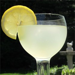 Ginger Lemonade Recipe - What a great twist on lemonade. Freeze some of this into ice cubes to use in the drinks, so it won't be diluted!