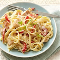 Creamy Fettuccine Alfredo with Chicken and Bell Peppers