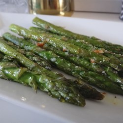 Roasted Asparagus with Parmesan Recipe - Roasted Parmesan asparagus seasoned with garlic powder is a quick and simple side dish.