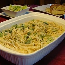 Ricotta Fettuccine Alfredo with Broccoli Recipe - A low-fat alternative to a traditional Alfredo sauce.  I add chicken, most of the time, to make it a complete meal!