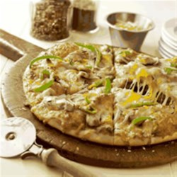 California-Style Barbecue Chicken Pizza from Kraft Recipe - Try this bold barbecue chicken pizza made with just 6 ingredients.