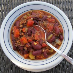 Big P's Classic Chili Recipe - This classic chili recipe is a warm and hearty meal with ground beef, tomatoes, and beans that is perfect for sleepover nights for the kids or tailgating.