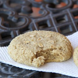 Easy Roasted Almond Cookies Recipe - Easy almond cookies contain only oat flour, ground almonds, and real maple syrup with a touch of almond flavoring.