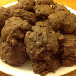 Chocolate Zucchini Cookies Recipe - Soft chocolaty drop cookies made with zucchini.