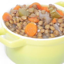 Greek Lentil Soup Recipe - This Greek-style lentil soup is quick and easy to prepare and uses simple ingredients that are popular during fasting times.