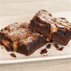 Sea Salt Caramel Brownies Recipe - Want to take your brownies from hum drum to WOW? All it takes is a simple caramel sauce and a sprinkle of Morton(R) Coarse Sea Salt added to your favorite boxed brownie mix. You will reach for this quick and easy brownie recipe again and again!