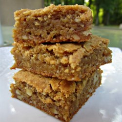 Butterscotch Brownies II Recipe - These chewy squares ooze brown sugary butterscotch.  They becrumb the lips and besmear the chin, like home-baked goodies should.