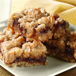 Cinnamon Oatmeal Bars Recipe - These tasty kid-pleasing bars are made with wholesome oats, butter and brown sugar.