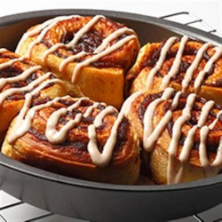Apple Cinnamon Buns Recipe - Piping hot apple and cinnamon flavored buns in under thirty minutes!