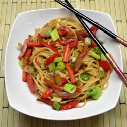 Lo Mein Noodles Recipe and Video - Spaghetti and vegetables in a sauce made with soy sauce, teriyaki sauce, honey, and ginger makes a quick and easy Asian-style noodle dish.
