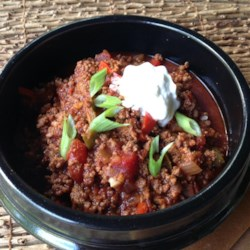 Paleo Chili Recipe - Even non-paleo diners will enjoy this deep, smoky, flavorful chili packed with meat, vegetables, and spices.