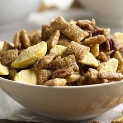 Peach Cobbler Chex Party Mix Recipe - Peach cobbler flavors in an easy Chex(R) party mix.