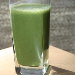 Breakfast Banana Green Smoothie Recipe - Spinach, banana, and carrot provide a wealth of nutrients to this smoothie recipe for a quick breakfast option when adjusting to your back-to-school schedule!