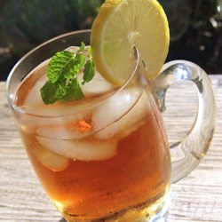 The Best Lemon Iced Tea Recipe - This is the best lemon iced tea I've ever tasted. It comes very close to the Good Host(R) brand we Canadians are used to.