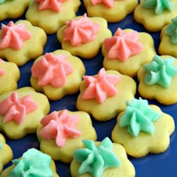 Holiday Butter Cookies Recipe - These are excellent butter cookies that will hold your holiday stamp well and not change size when baking. Its our family secret to you!