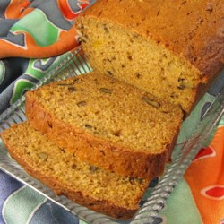 Autumn Spiced Butternut Squash Bread Recipe - Who needs pumpkin? Butternut squash puree makes an equally delicious quick bread.