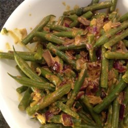 Green Bean Curry Recipe - Fresh green beans are simmered in coconut milk with a variety of seasonings for a delicious side dish or as a vegetarian entree when served with rice.