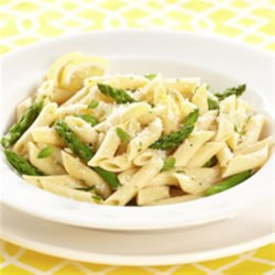 Asparagus Penne Carbonara Recipe - This is a restaurant favourite you can serve at home with a spring burst of asparagus! The fresh lemon and mint flavours come shining through!