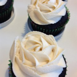 Chocolate Beer Cupcakes With Whiskey Filling And Irish Cream Icing Recipe - Chocolate cupcakes with Irish whiskey-flavored chocolate cream filling and a delectable Irish cream frosting will make your St. Patrick's Day party a happy one.