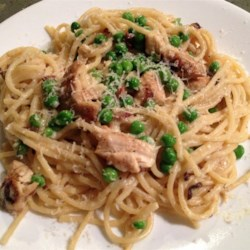 Loaded Chicken Carbonara Recipe - This take on a classic Italian pasta dish makes an easy and delicious weeknight dinner.