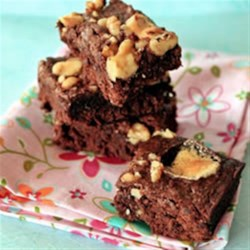 Rocky Road Kahlua Brownies Recipe - Chewy, fudgy and gooey all at the same time! Classic Rocky Road Brownies with a twist--add some espresso and Kahlua liqueur to make a holiday dessert. They're perfect for cocktail parties!