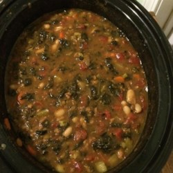 Vegetarian Pumpkin Spinach Chili Recipe - This vegetarian pumpkin chili  is full of tomatoes, fava beans, okra, broccoli, carrot, zucchini and spinach in addition to vegetarian ground beef crumbles.