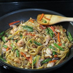 Easy Shrimp Lo Mein Recipe - A sauce made with soy sauce, oyster sauce, fish sauce, brown sugar, garlic, and ginger is the key component to this Asian noodle dish with shrimp.