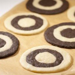 Shortbread Wheels Recipe - Very pretty chocolate and plain shortbread cookies.