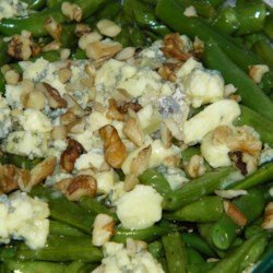 Green Beans with Blue Cheese Recipe - My sister-in-law gave me this great, simple recipe.  Green beans are sauteed in bacon fat, then tossed with toasted nuts and crumbled blue cheese.  Very rich and quite fattening, but great for holidays!