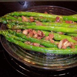Asparagus, Ham, and Lemon Recipe - This simple ham and asparagus dish is fast to make and the bright touch of lemon makes it perfect for spring.