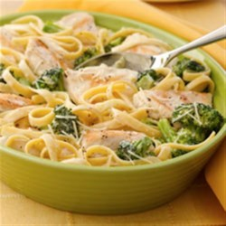 Chicken and Broccoli Fettuccini Skillet Dinner Recipe - Just one pan to cook a great dish!